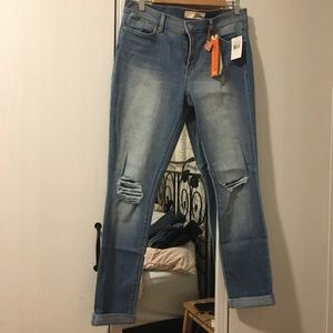 NWT DITTOS Skinny Mid Rise Jeans